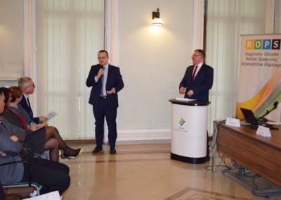 Pan Jarosław Wesołowski - Dyrektor Wydziału Europejskiego Funduszu Społecznego